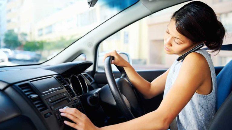 Vorbitul la telefon in timp ce conduci