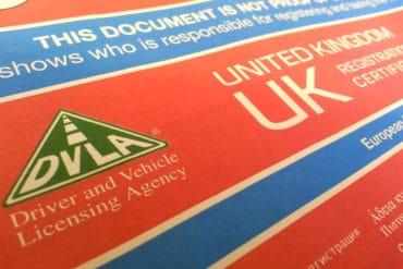 Completarea V5. Ce sa faci atunci cand cumperi sau vinzi o masina in UK?